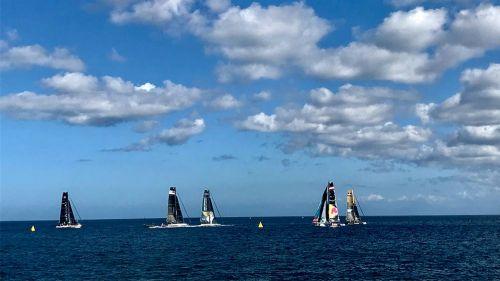 Equipos durante la competencia del Extreme Sailing Series
