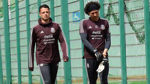 Chicharito y Ochoa, previo a una sesión con el Tricolor