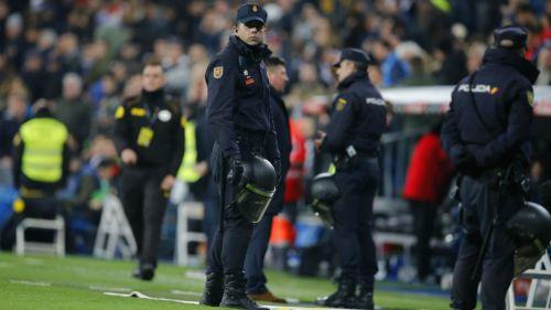 Policías son responsables de la seguridad del Santiago Bernabéu