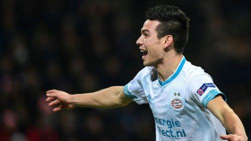 Hirving Lozano festeja su gol contra el Inter de Milán
