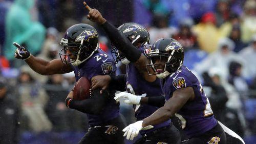 Ravens celebra una intercepción de Humphrey
