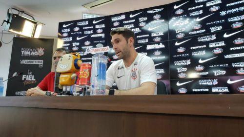 Mauro Boselli apoya en la tribuna al León en la Copa MX