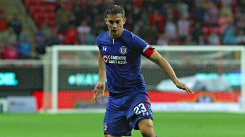 Iván Marcone, en un juego con Cruz Azul
