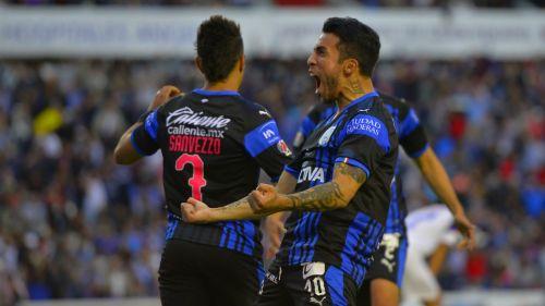 Edson Puch festeja gol en su paso por Querétaro