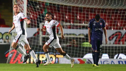 Leo Ramos celebra anotación contra el Veracruz