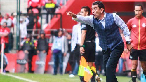 David Patiño en un partido con Pumas