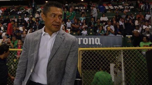 Ignacio Ambriz en un partido de León