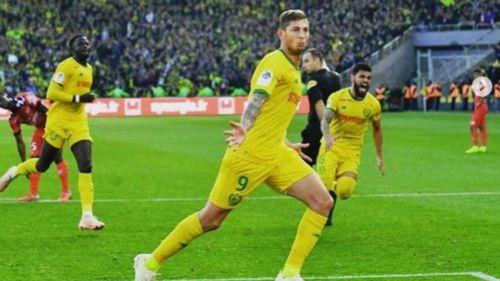 Emiliano Sala festeja anotación con Nantes
