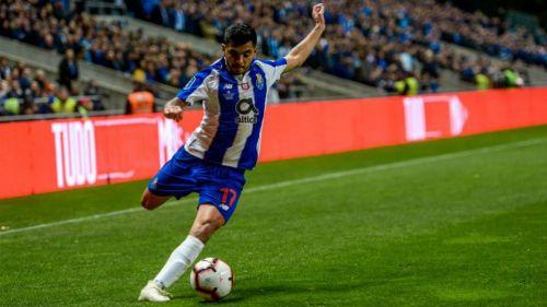 Tecatito cerca de ampliar su contrato con el Porto