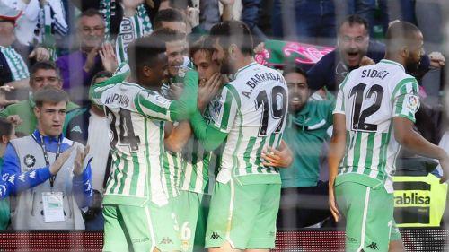Betis celebra anotación de Canales frente al Atlético de Madrid