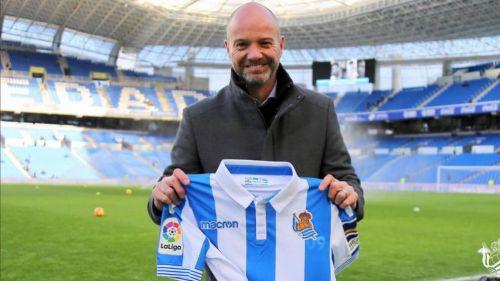 Luis García posa en Anoeta