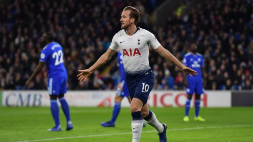 Harry Kane festeja gol con el Tottenham