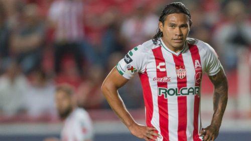 Carlos Peña, en un juego con las Rayos del Necaxa