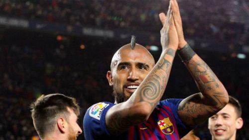Arturo Vidal celebra una anotación con el Barcelona