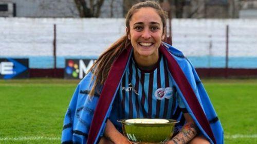 Macarena Sánchez al término de un partido decisivo