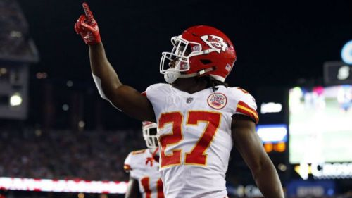 Cleveland Browns contratan a Kareem Hunt tras golpear a una mujer