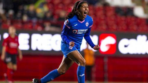 Reyna Velázquez festeja su gol ante Xolos
