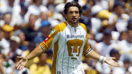 Kikín Fonseca durante un partido con Pumas