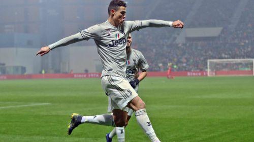 Cristiano Ronaldo festeja tras anotar con la Juve