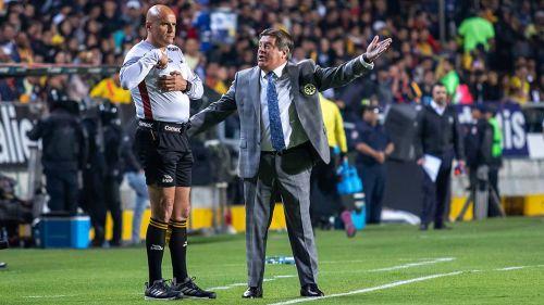 Explota de nuevo Miguel Herrera contra el arbitraje