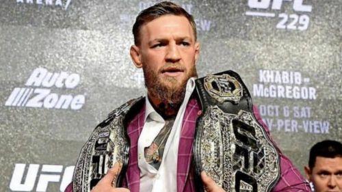 Conor McGregor cuando tenía dos campeonatos de la UFC