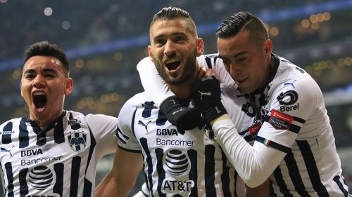 Nicolás Sánchez y Rogelio Funes Mori festejan un gol con Rayados