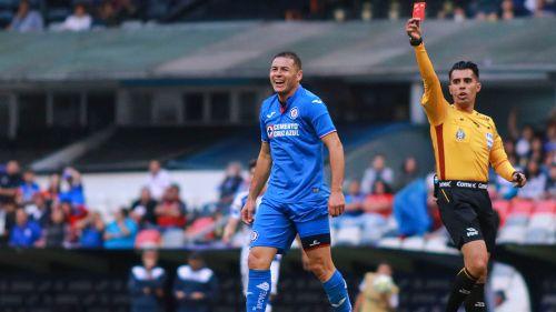 Golazo de chilena de Avilés Hurtado rompe el cero ante Cruz Azul