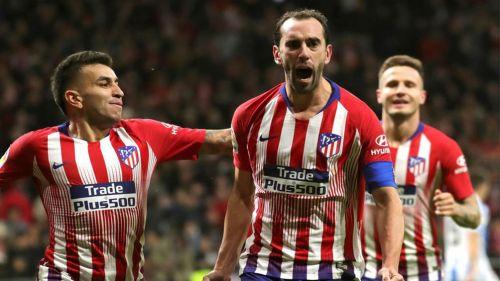 Diego Godín celebrando un gol con el Atlético de Madrid