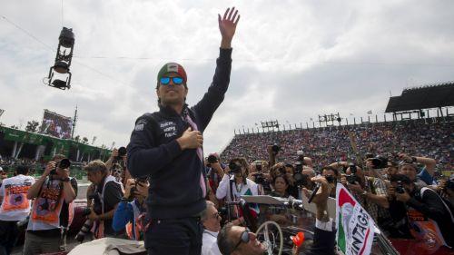 Checo Pérez durante el Gran Premio de México