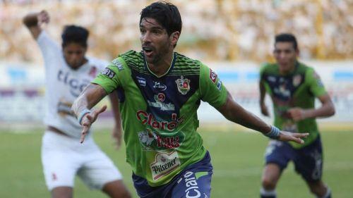 El Loco Abreu regresa a Santa Tecla como entrenador