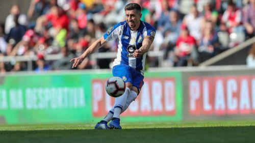 'Tecatito' Corona registra espectacular anotación en goleada del Porto