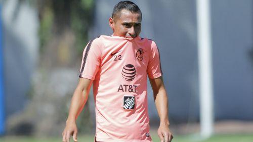 Paul Aguilar durante un entrenamiento con América