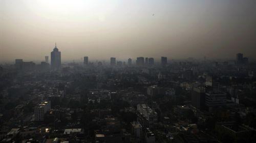 Vista desde las alturas muestra la contaminación en la Ciudad de México