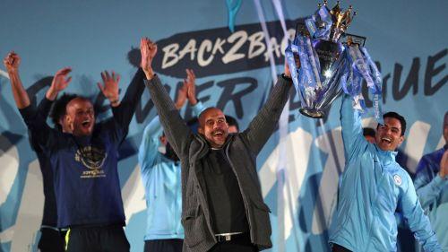 Guardiola levanta el título de Premier League
