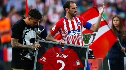 Godín se despide del Atlético en el Metropolitano
