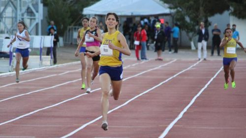 Paola Morán, participa en los 400 metros planos, categoría Sub 23
