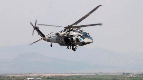 Helicóptero de la Armada de México durante un recorrido