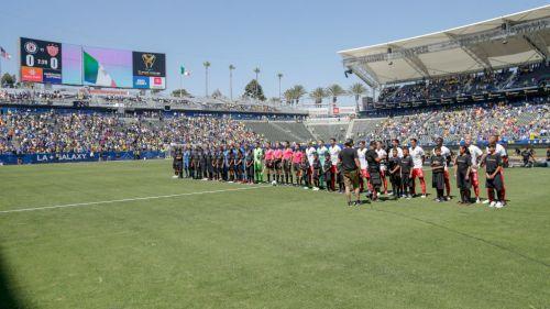 Ceremonia protocolaria de la Super Copa MX