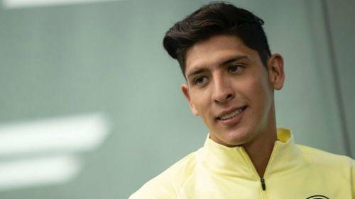 Edson, en conferencia de prensa