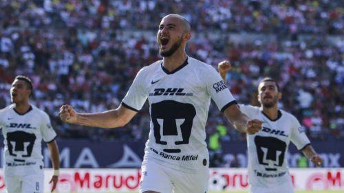 Carlos González festeja gol ante Atlético