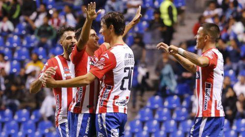 Los jugadores del Atlético San Luis celebran uno de los goles del partido