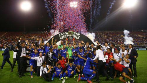 Los jugadores de Cruz Azul celebran el título de la Leagues Cup
