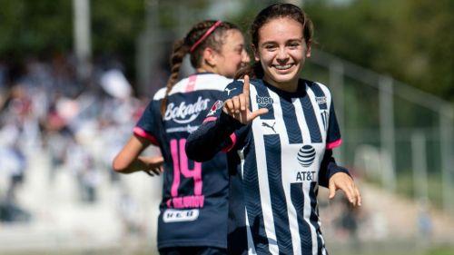 Aylin Avilez festeja gol ante Cruz Azul