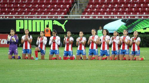 Así se colocaron las jugadoras de Chivas previo al partido