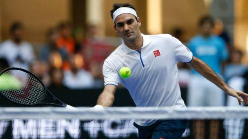 Roger Federer en partido de exhibición