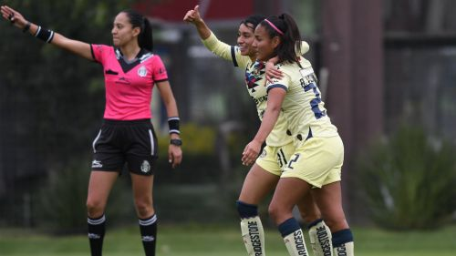 Marlyn Campa y Alexia Villanueva en festejo de gol, durante el juego de la jornada 3 del torneo Clausura 2020