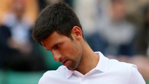 Novak Djokovic se lamenta tras un partido