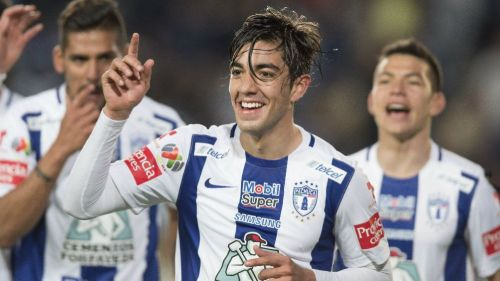 Rodolfo Pizarro celebra un gol en el 6-0 vs Veracruz