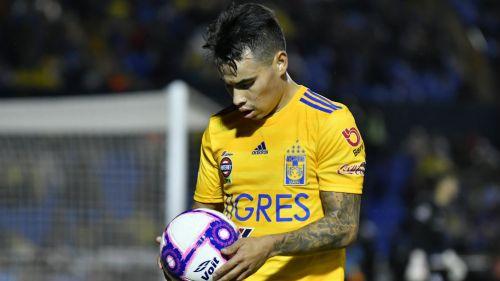 Lucas Zelarayán jugando con Tigres