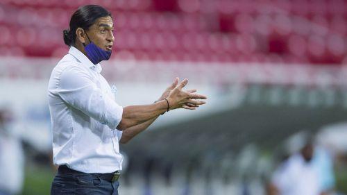 Francisco Palencia en el partido contra Tigres